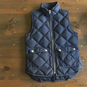 Jcrew Black quilted excursion vest. Size PXS